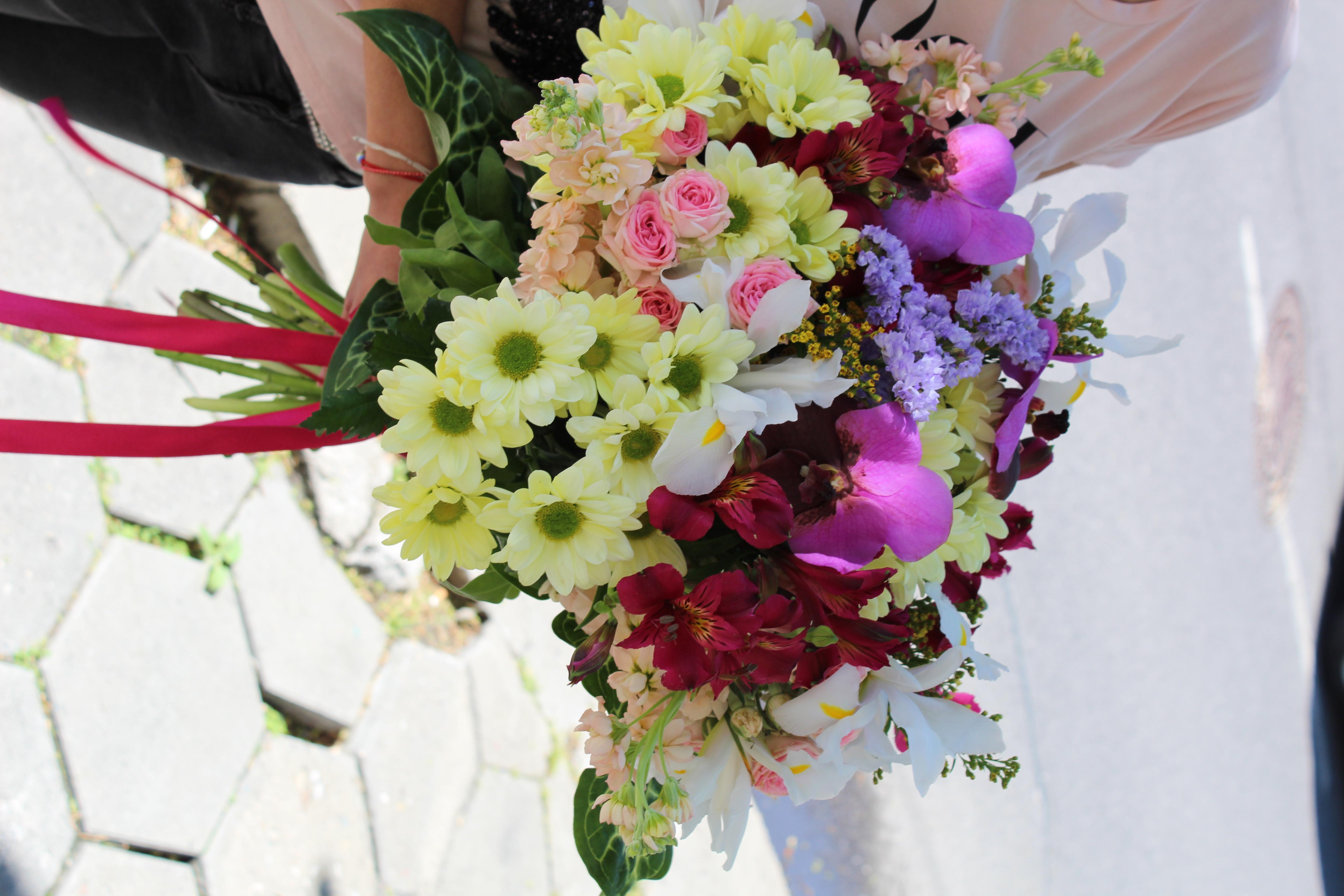 смесен букет, сезонни цветя, красиво, цветно, любов, подарък, изненада