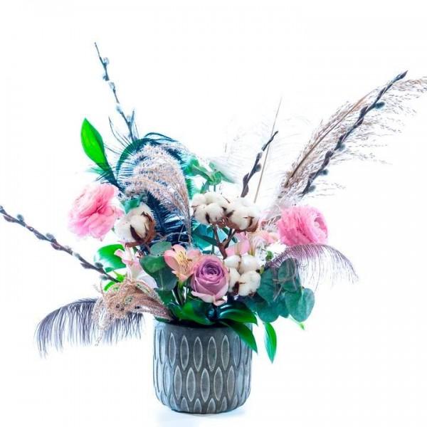 Бохо аранжировка със сезонни цветя